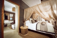 Bush Lodge - Luxury Villa - Bedroom (1).jpg