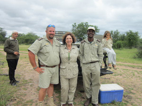 guests with rangers at sabi sabi