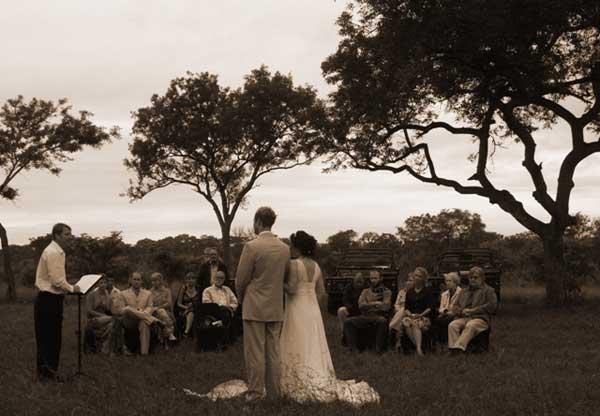 Stephan Chantelle Greeff at sabi sabi wedding